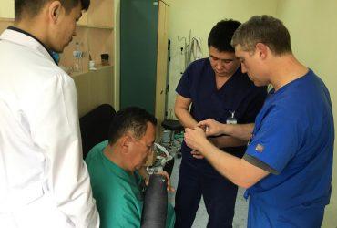 Америк эмчийн тусламжтайгаар Монголд анх удаа 5 өвчтөнд хиймэл хөл хийж өглөө